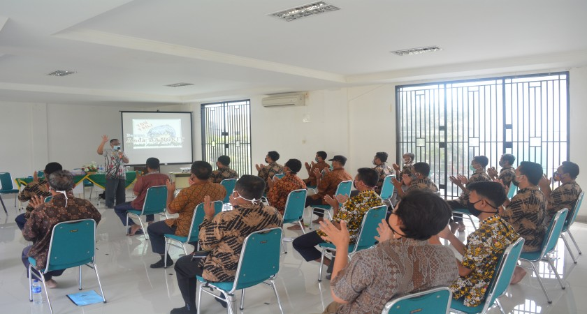 Tempa Pegawai Unggul, Al Irsyad Gelar On the Job Training K-5